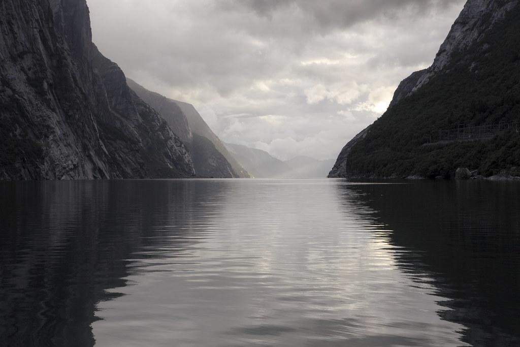 Lysebothn.  Lysefjorden er en norsk fjord, som ligger i Forsand kommune i Rogaland fylke. Kendte steder som Preikestolen (Prædikestolen) og Kjerag ligger langs Lysefjorden. Fjorden er 42 km lang og er næsten 500 meter dyb på det dybeste.  I indløbet til Lysefjorden ligger Oanes og Forsand på hver sin side med hver sin kaj. Lysefjorden går fra indløbet ved Høgsfjorden til Lysebotn i enden mod nordøst. Yderst i fjorden ligger Lysefjordbrua, som er eneste bro over fjorden.  Fjorden er skabt af isbræer, som har udgravet fjeldmasserne under sig over lang tid. Om sommeren går der turistfærge ind i fjorden hver dag. Udenfor højsæsonen går der rutetrafik med hurtigbåd. Forsand, Oanes, Songesand og Lysebotn er tilknyttet vejnettet. Vejene til Songesand og Lysebotn er vinterlukket.   Flørlitrapperne ved siden af rørforbindelsen op fra gamle Flørli kraftværk  På grund af høje fjelde og store søer på vidderne, er Lysefjorden blevet brugt til vandkraftproduktion. Det første kraftværk var Flørli kraftværk, som har en faldhøjde på 740 meter. Flørli kraftværk brugte længe en rørgate, som gik ned langs fjeldsiden til kraftstationen, som er sprængt ind i fjeldet. Lyse kraftværk er et andet kraftværk ved fjorden.
