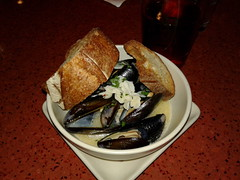 Seattle - Dinner at Seatown - Steamed Mussels