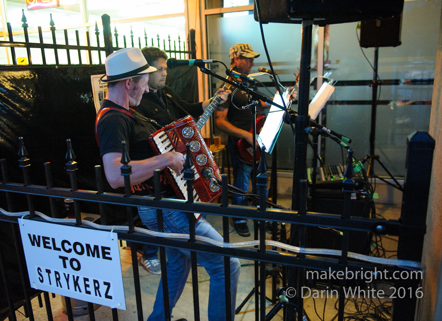Heinz 57 and The Wailing Whippets at Strykerz 058