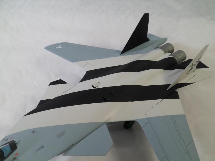 Ainsi les derniers seront les premiers [Sukhoi Su-47 Berkut Hobbyboss] 15403277013_462c89f66f_b