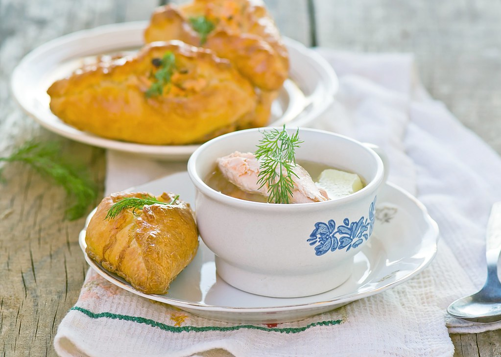 small pie.traditional Russian fish pie.5