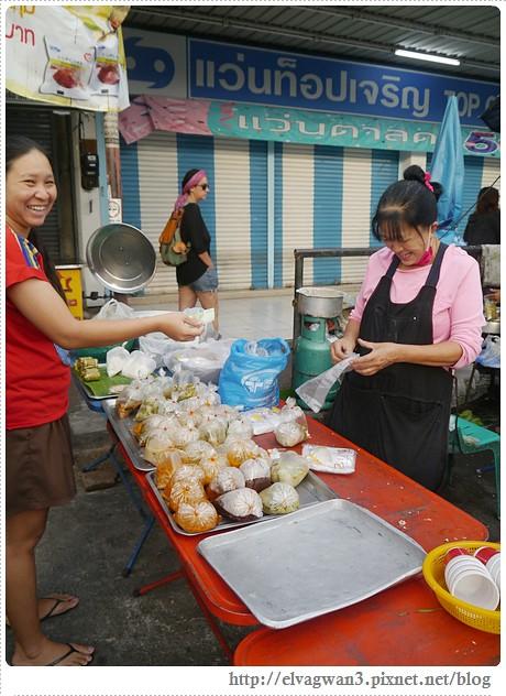 泰國-泰北-清邁-Somphet Market-Tip's Best Fresh Fruit Smoothie-市場-果汁攤-酸奶水果沙拉-燕麥水果優格沙拉-香蕉Ore0-泰式奶茶-早餐-6-583-1