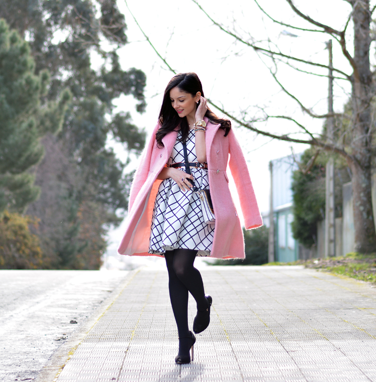 zara_pink_coat_ootd_outfit_stradivarius_tfnc_dress_02