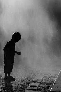 L'enfant dans la brume