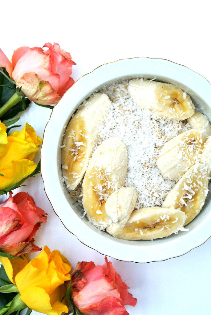 Porridge With Banana And Desiccated Coconut