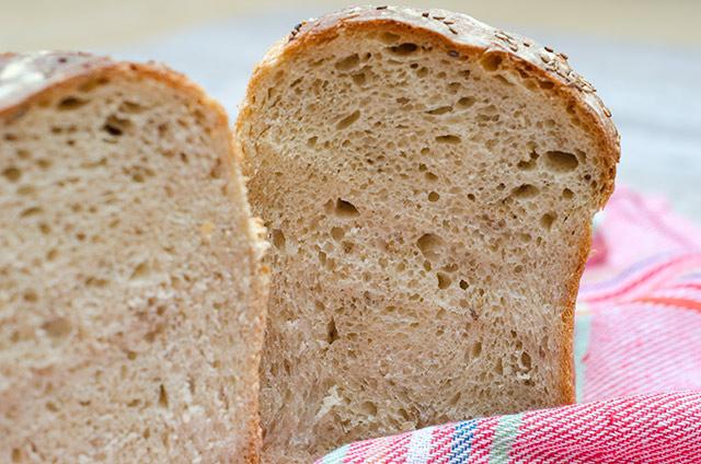 Pan de refresco de malta y semillas de sésamo