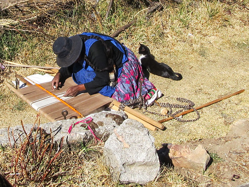 Lac Titicaca: tissage à la main sur l'Isla del Sol