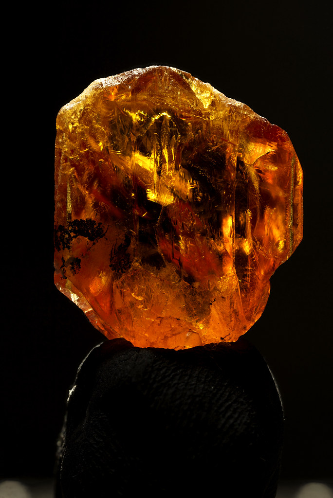 Titanite(Sphene) Twin