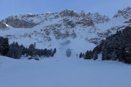 Aktuálně z Dolomit: zasněžena až polovina sjezdovek