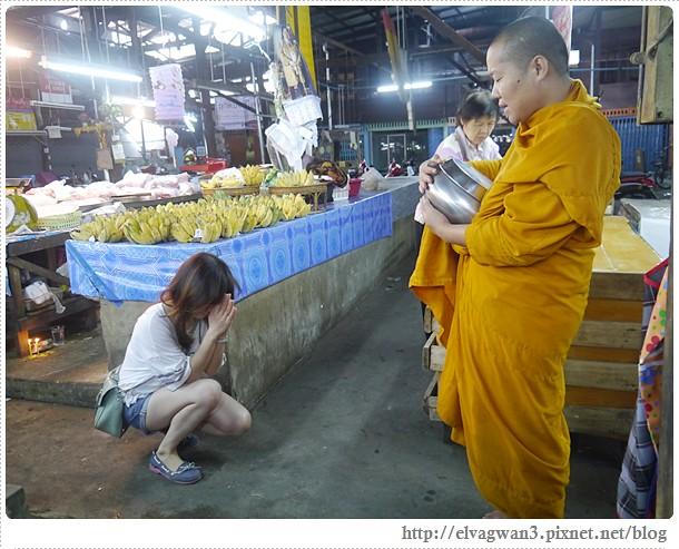 泰國-泰北-清邁-Somphet Market-Tip's Best Fresh Fruit Smoothie-市場-果汁攤-酸奶水果沙拉-燕麥水果優格沙拉-香蕉Ore0-泰式奶茶-早餐-22-621-1