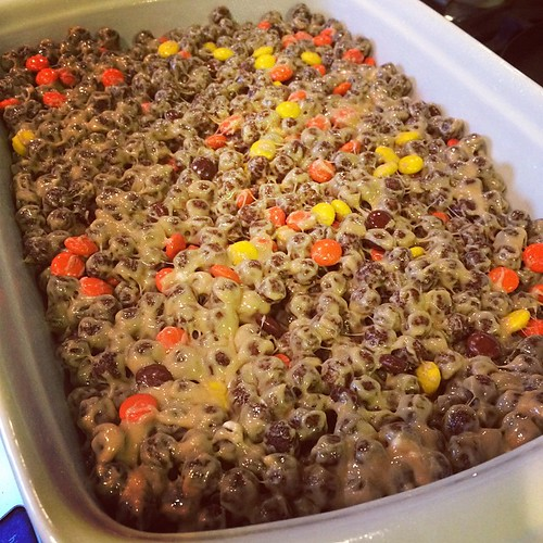 Had Cocoa Puffs that the kids don't care for so I found a recipe to make Reese's Pieces Cocoa Puff Bars. #repurposing