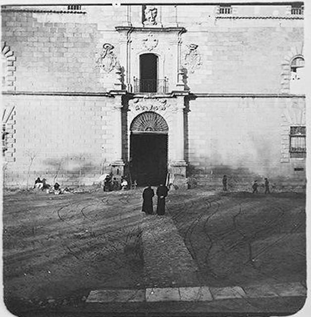 Hospital Tavera en 1904. Fotografía de Augusto T. Arcimis © Fototeca del IPCE, MECD. Signatura ARC-0746_P