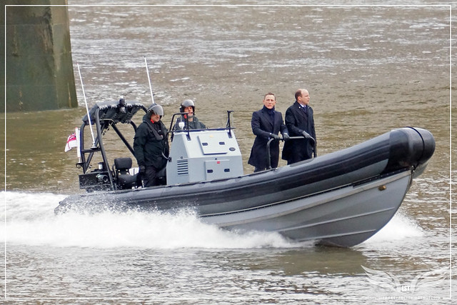 The Establishing Shot: SPECTRE ON LOCATION - DANIEL CRAIG & RORY KINNEAR ON A HIGH SPEED MST MILITARY RIB FILMING SPECTRE - THAMES, VAUXHALL CROSS, MI6 SPECTRE LOCATION - LONDON