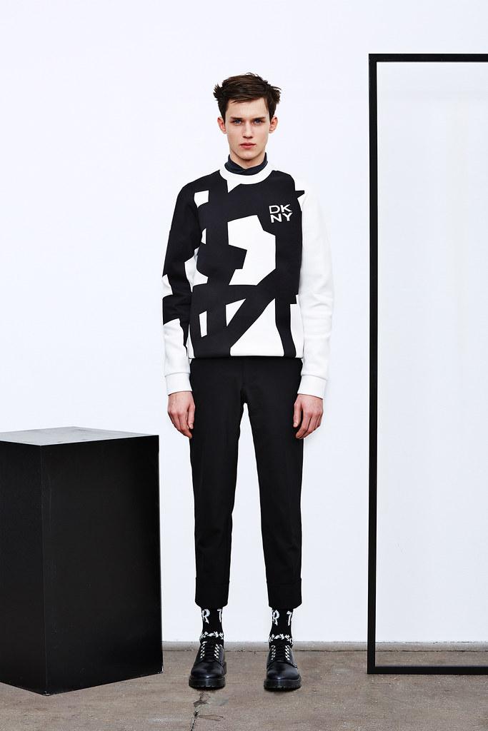 Yulian Antukh(Antuh)3138_2_FW15 NY DKNY(Style.com)