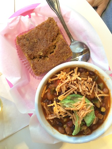 veggie chili and molasses cornbread at Petunia's_ gluten-free vegan Portland Oregon
