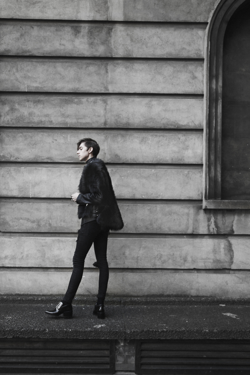 LondonFashionWeek_mikkoputtonen_streetstyle_outfit_onarStudios_tnbpClothing_jilSander_joomilim1_web