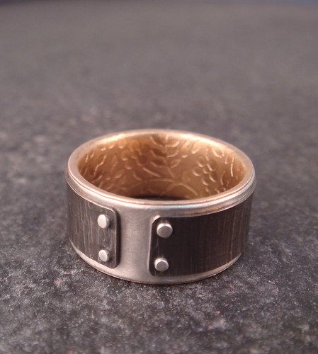 Lined Mind The Gap Ring
