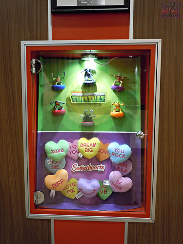 "McDonald's Happy Meal :: ""TEENAGE MUTANT NINJA TURTLES & Sweethearts"" / In-store display i (( 2015 ))"