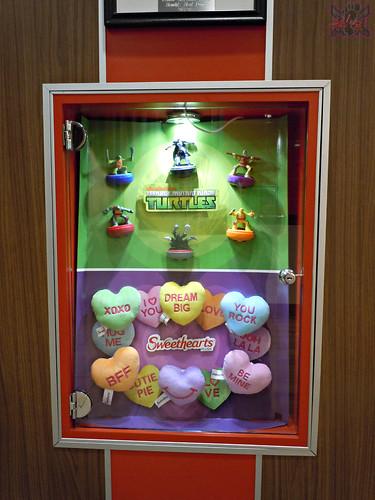 "McDonald's Happy Meal :: ""TEENAGE MUTANT NINJA TURTLES & Sweethearts"" / In-store display i (( 2015 ))"