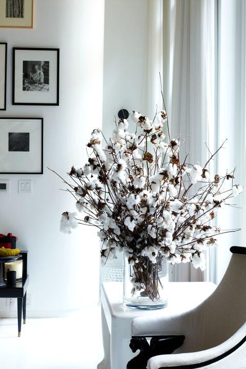 54bcec3075a46_-_hbz-danielle-rollins-flowers-lela-rose