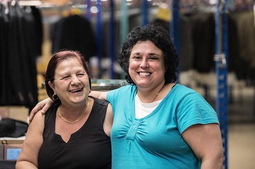 Female Smiling Seamstresses Posing / Couturières souriantes
