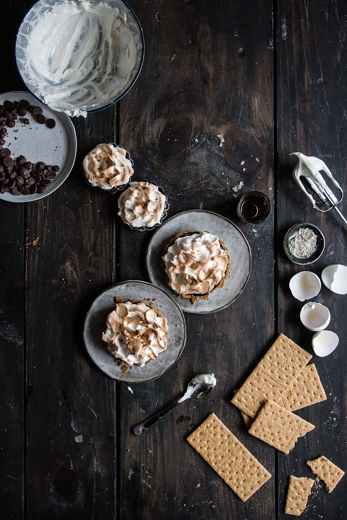 chocolate whiskey meringue tarts | two red bowls