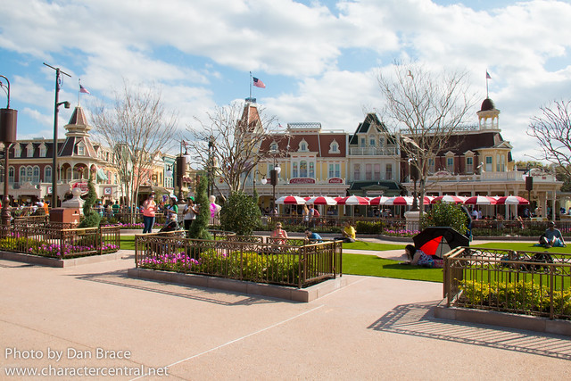 Checking out the new Central Plaza gardens