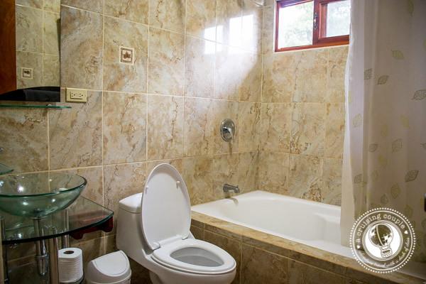 Hotel Rosa de America Bathroom