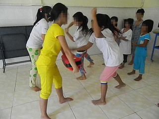 Help each others to learn how to Self-defense