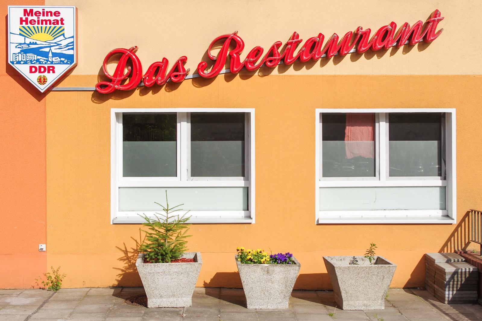 Berlin pauvre et sexy ? - Enseigne old school