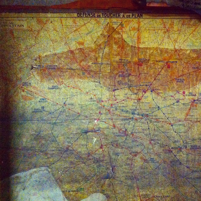 Old #Paris #métro map uncovered in the Marcadet-Poissonniers station. (Hard to get a decent photo of the detail!)