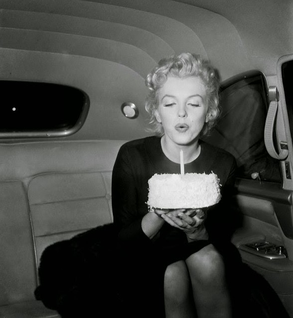 marilyn-monroe-1-year-celebration