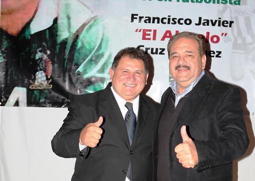 Javier El Abuelo Cruz
