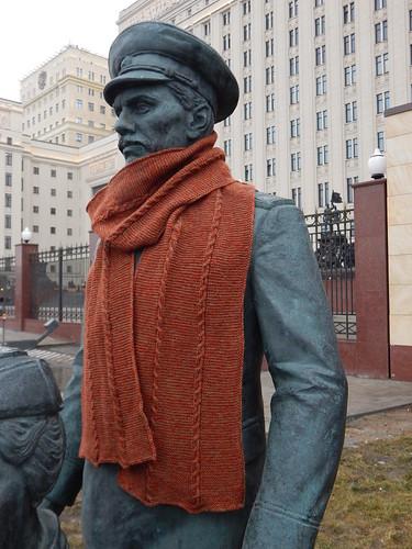 шарф зеркальный на памятнике5