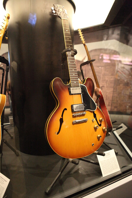 Photo:John Lee Hooker's Guitar By Sam Howzit