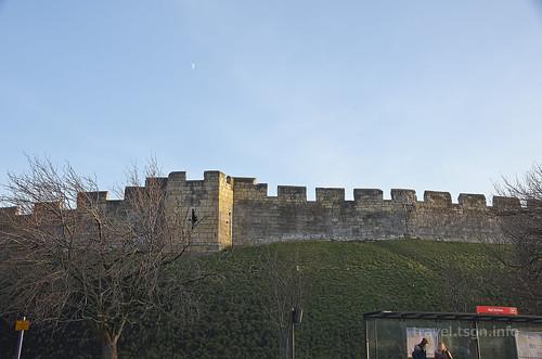 【写真】世界一周 : ヨーク・城壁(駅周辺)