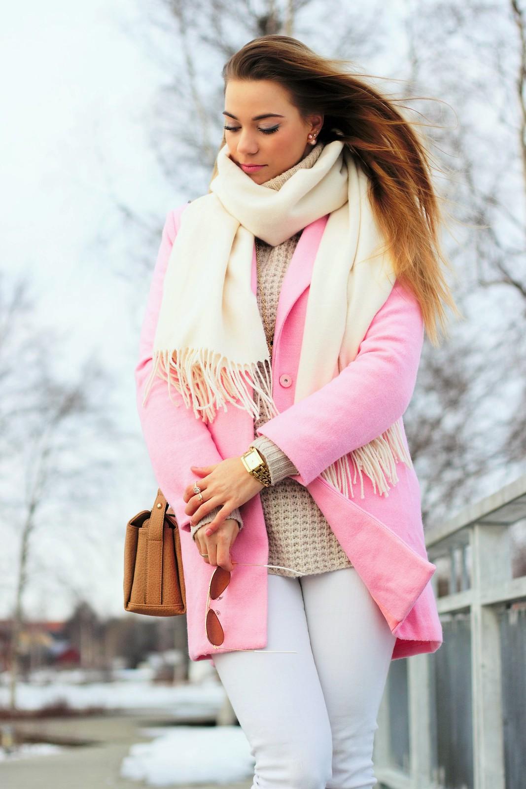 Vaaleanpunainen takki