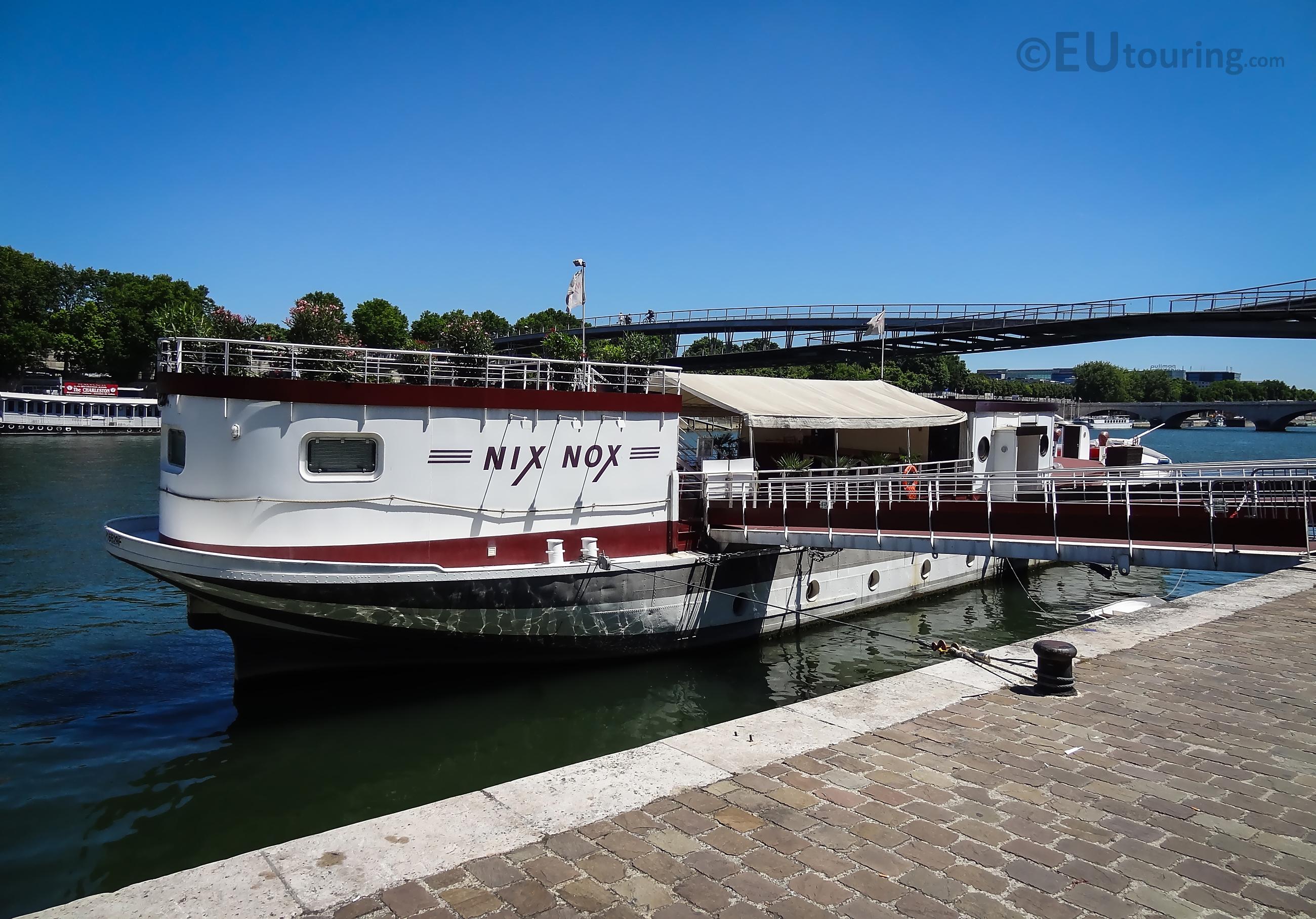 Nix Nox boat