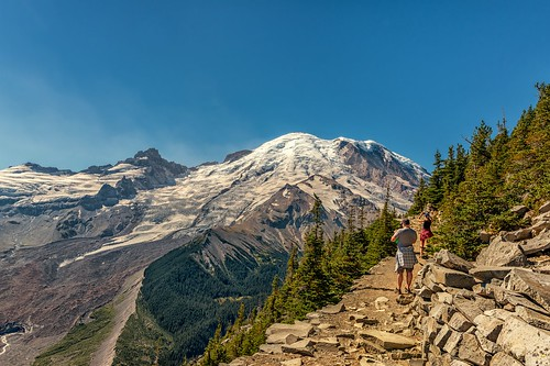 that volcano washington view trails like hike whiteriver glaciers what looks hikers ha mtrainier marvelous mtrainiernationalpark emmonsglacier sunriserimtrail littletahomapeak