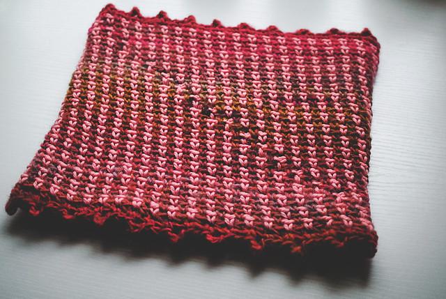 Florecita, woven stitch cowl, free #crochet pattern via goodknits