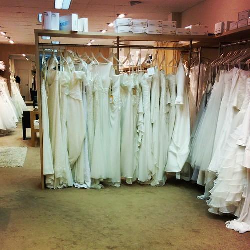 Bruidsmeisjesplicht: de allerlaatste pasbeurt van de bruid bijwonen.