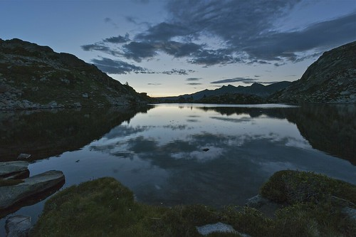 bluehour andorra naturephotography beforethesunrise horaazul antesdeamanecer fotografíadenaturaleza circdepessons estanymeligar