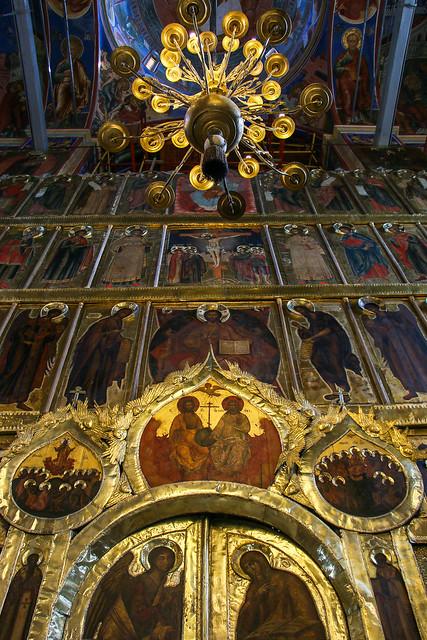 Interior decoration of Cathedral of the Nativity, Suzdal スズダリ、ラジヂェストヴェンスキー聖堂内部のイコノスタシス装飾
