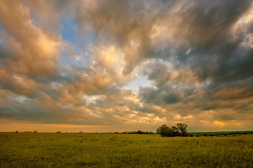 sunset color clouds nikon horizon rolling lonetree linear flinthills oogle priarie d700