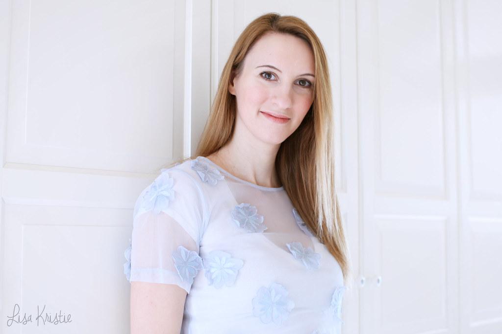 lisakristie lisa kristie portrait white blue 2015