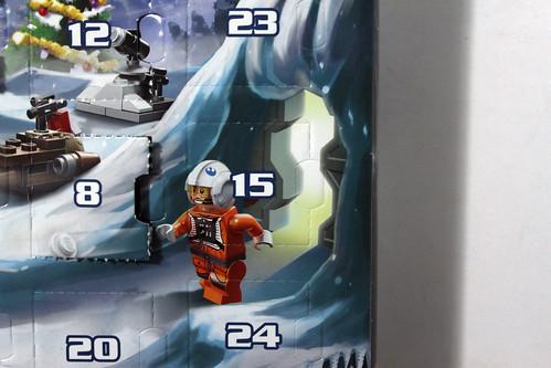 LEGO Star Wars 2014 Advent Calendar (75056) – Day 15 - Snowspeeder
