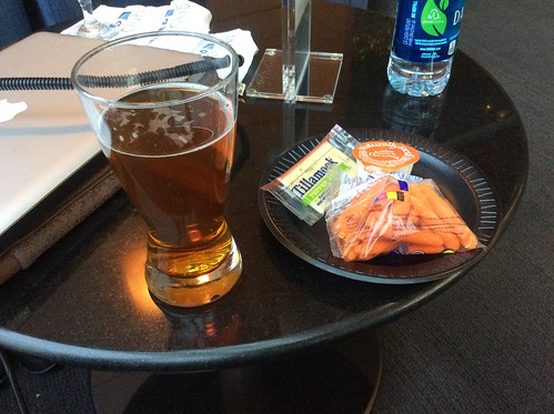 ORD United Club snack with a Goose Island Honker