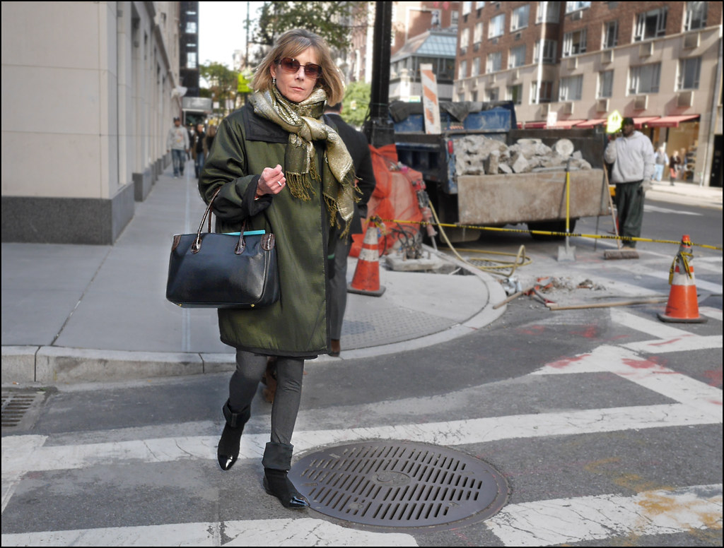 SS14-12  3 oversized green coat grey leggings rolled down boots