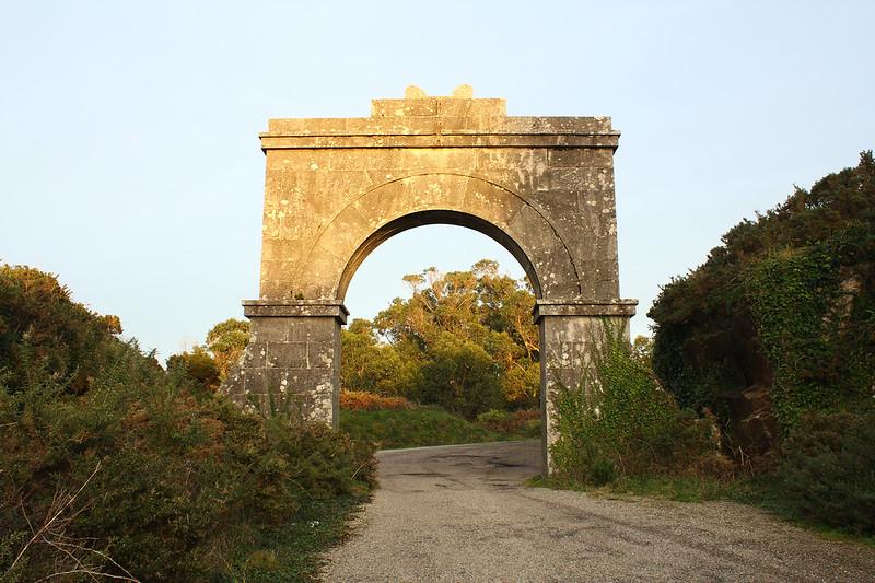 Arco de entrada a la batería
