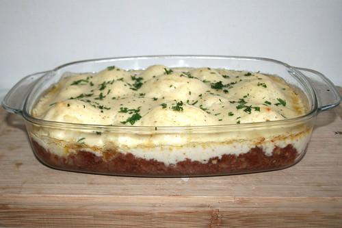 49 - Cauliflower corned beef casserole - Finished - Side view / Blumenkohl Corned beef Auflauf - Fertig gebacken - Seitenansicht